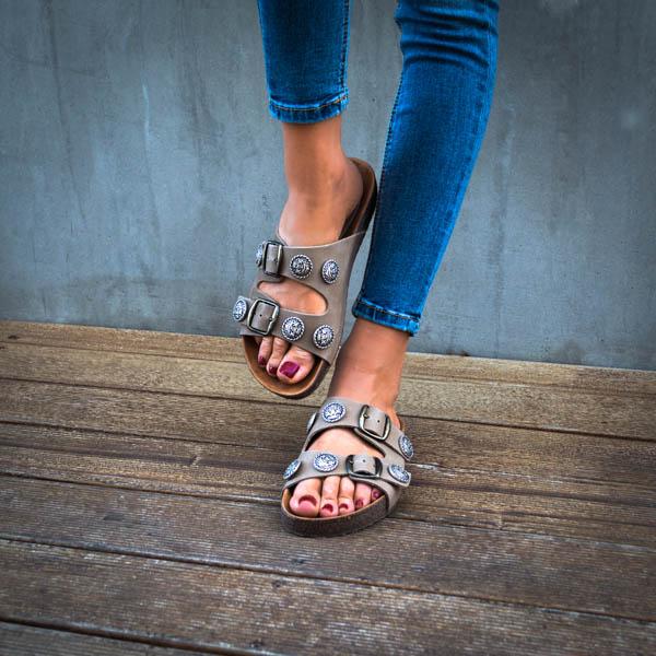 anatomiko gynaikeio sandali pedilo