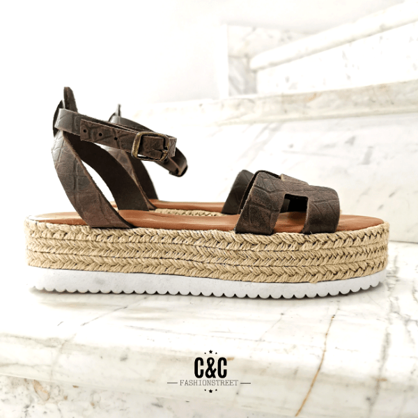 Leather Platform Sandal in brown crocus color