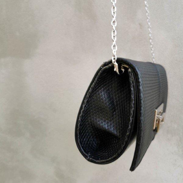 Δερμάτινη γυναικεία τσάντα ώμου χιαστί